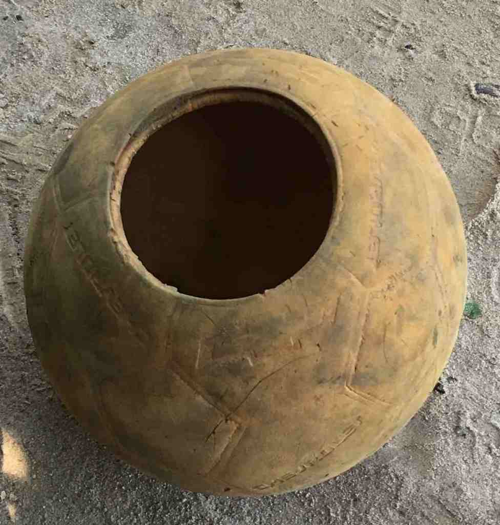 Ball mit Loch