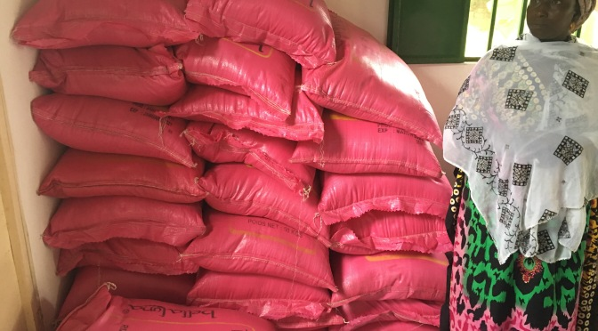 29 Witwen bekommen jetzt schon Reis