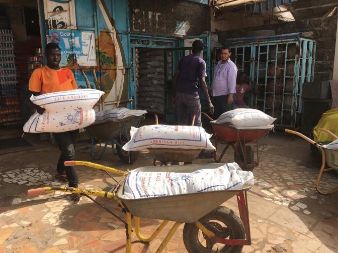 Zakat ul Fitr – Die Reisverteilung in Bildern